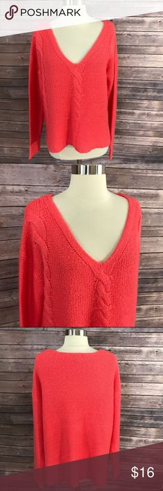 H&M Sz Medium V Neck Sweater Coral Pink Cable Knit Measurements: (in inches) - Underarm to underarm: 23 - Length: 26 Good, gently used condition H&M Sweaters V-Necks