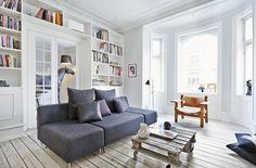 Store flydersofaer eller lette lænestole? Se det store galleri med 25 stuer og bliv inspireret til indretningen af din stue