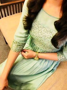 sainuzZ Salwar Neck Designs, Churidar Designs, Kurta Designs Women, Dress Neck Designs, Blouse Designs, New Designer Dresses, Indian Designer Outfits, Designer Wear, Kurtha Designs