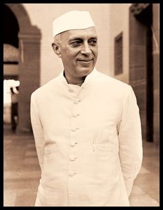 Jawaharlal Nehru, the first prime minister of India was a man who ruled the heart of millions. He completed his basic education at home. Political System, Political Leaders, Jawaharlal Nehru Quotes, Subhas Chandra Bose, Happy Independence Day India, First Prime Minister, Rajiv Gandhi, Neo Pop, Nehru Jackets