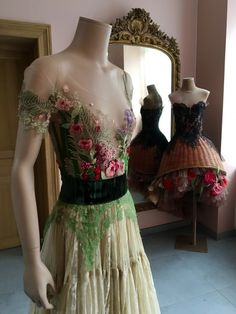 Sunrise Land, sosuperawesome:   Dresses by Sylvie Facon, on...