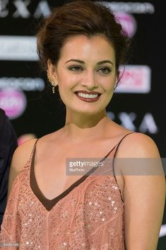 Indian Bollywood actress Dia Mirza poses on the green carpet as she arrives to the edition of IIFA Awards (International Indian Film Academy Awards) in Madrid on June Bollywood Actress Hot Photos, Indian Bollywood Actress, Bollywood Girls, Beautiful Bollywood Actress, Indian Actresses, Beautiful Girl Indian, Most Beautiful Indian Actress, Prettiest Actresses, Beautiful Actresses