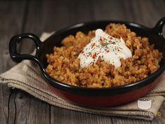 Pilaf de bulgur cu carne de vita Turkish Recipes, Ethnic Recipes, European Dishes, Quinoa, Carne, Risotto, Slow Cooker, Cooking Recipes, Rice