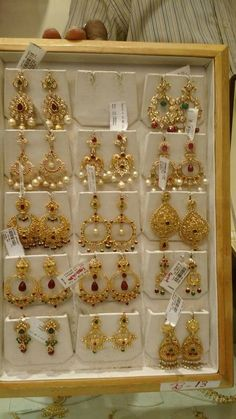 How To Clean Gold Jewelry With Baking Soda Indian Jewelry Earrings, Gold Jhumka Earrings, Indian Jewelry Sets, Jewelry Design Earrings, Gold Earrings Designs, Gold Jewellery Design, Gold Designs, Designer Earrings, Necklace Designs