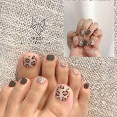 Fall Toe Nails, Cute Nails For Fall, Pretty Toe Nails, Pretty Toes, Sky Nails, Glam Nails, Summer Acrylic Nails, Foil Nails, Nail Art Stickers