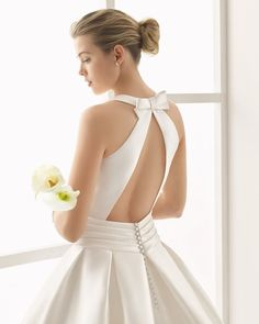 Designer Rosa Clará creates dreamy wedding and evening gowns for women seeking that elusive blend of elegance, allure and sophistication. Weeding Dress, Lace Wedding Dress, Wedding Gowns, Lace Dress, Wedding Tuxedos, Rosa Clara Wedding Dresses, Bridal Dresses, Vestidos Vintage, Vintage Dresses