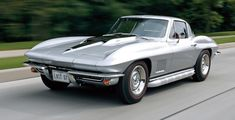 Take a look at the 1967 Chevrolet Corvette wallpaper gallery brought to you by the automotive experts at Motor Trend. Chevrolet Corvette Stingray, Corvette America, Bmw Classic Cars, Diesel Cars, Car In The World, Small Cars, General Motors, Old Cars, Missouri