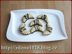 VÁNOČNÍ CUKROVÍ « Rubrika | Zdenky vaření Dog Bowls, Panna Cotta, Cookies, Ethnic Recipes, Advent, Food, Crack Crackers, Dulce De Leche, Biscuits