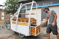 HOPE Rolls Out Bike-Powered Farm Stand: Farmers market takes its act on the road - News - The Austin Chronicle Bicycle Cart, Mobile Food Cart, Farmers Market Display, Bike Food, Food Kiosk, Mobiles, Farm Store, Coffee Carts, Mobile Business