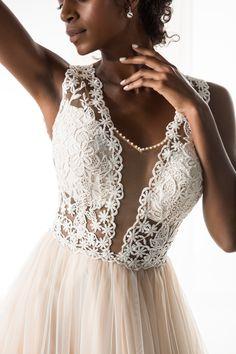 #JIOULI_Bridal  2019 s/s Collection #bridal #bridal_wear #marriage #bride #wedding #wedding_dress www.Jiouli.com Bridal Collection, Beautiful Bride, Marriage, Wedding Dresses, Fashion, Brides, Perfect Boyfriend, Valentines Day Weddings, Bride Dresses