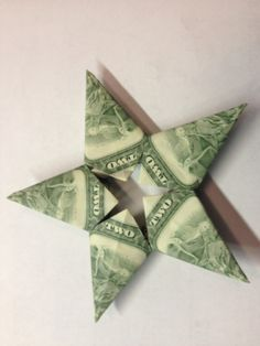Oragami money stars: gifts or tooth fairy idea! Dollar Origami, Origami Easy, Origami Paper, Origami Tutorial, Origami Instructions, Origami Design, Oragami Money, Creative Money Gifts, Money Gifting