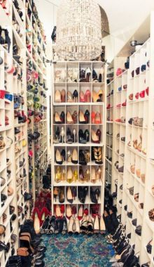 The Coveteur - Luisa Fernanda Espinosa. Shoe closet- I die. Walk In Wardrobe, Walk In Closet, Shoe Closet, Closet Space, Closet Rooms, Closet Mirror, Bedroom Closets, Girl Closet, Dream Shoes
