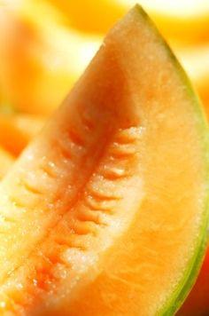 Red Lip Gloss: DIY Beauty Fridays: Anti-Aging Cantaloupe Mask
