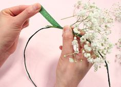 The floral crown trend isn't going anywhere fast, but a fresh new spin of this trend is quickly gaining steam.  Feast your eyes on the baby's breath flor