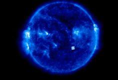 + - Caçadores de OVNIs alegam que a Agência Espacial dos EUA editou vídeos para esconder um misterioso 'cubo alienígena', flutuando entre a Terra e o Sol Algo de formato distintamente quadrado foi mais uma vez avistado por duas diferentes câmeras, com 25 horas de diferença, no início da semana passada. Os pesquisadores de OVNIs …