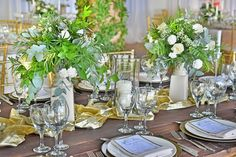 Guest table decor made to perfection in Kukua Punta Cana, fresh flowers and greenery ♥ with gold runer and candles <3 design by Begokua, photo by Milan Photo Cine Art
