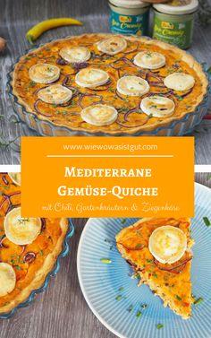 Die mediterrane und vegetarische Gemüse-Quiche mit Eiern, Kräutern, viel Zwiebel, etwas Chili, dem Toskana-Aufstrich SOO CREMIG von Tartex und Ziegenkäse ist genau das richtige Essen zu einem guten Glas Weißwein im Herbst. Herzhafte Tartes oder Quiches sind genau das richtige zu dieser Jahreszeit.  #quiche #tartex #tarte -Werbung-