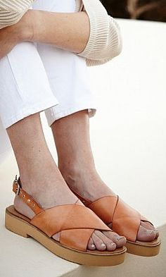 Savina Sandals, platform sandals with tan leather cross-over front and studded ankle strap. Pretty Shoes, Cute Shoes, Me Too Shoes, Leather Sandals, Shoes Sandals, Heels, Sandals Platform, Tan Leather, Dream Shoes