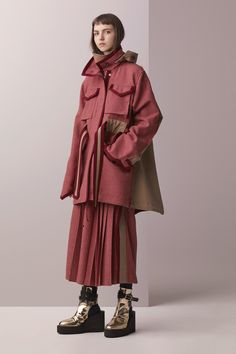 Sacai Pre-Fall 2017 Fashion Show Collection: See the complete Sacai Pre-Fall 2017 collection. Look 2 Fashion Details, Look Fashion, Girl Fashion, Fashion Show, Womens Fashion, Fashion Design, Net Fashion, Fashion Outfits, Fashion Week