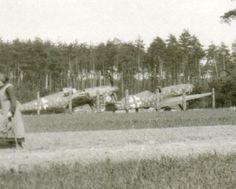 Foto-deut-Jagd-Flugzeug-Me-109-G6-Tarn-Kennung-Fruehjahr-45