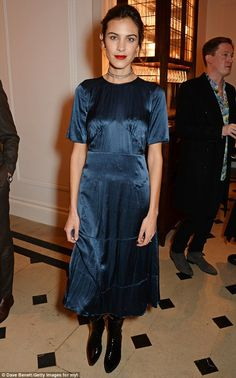 Effortlessly stylish: The 32-year-old silk blue loose fitted dress with a pair of pointed ...
