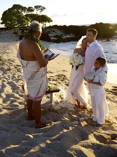 100 Memorable Celebrity Wedding Moments - Brian Austin Green & Megan Fox from Celebrity Bodies, Celebrity Couples, Celebrity Weddings, Wedding Pics, Wedding Couples, Wedding Ideas, Gatsby Wedding, Wedding Dresses, Wedding Bells