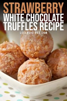 Are you ready for another awesome strawberry no-bake treat with these amazing Strawberry White Chocolate Truffles? 🙂 Homemade Truffles, Truffles Recipe, White Chocolate Truffles, Chocolate Fudge, No Bake Treats, Frozen, Lime, Strawberry, Candy