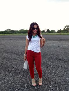 Check out how Deanne from MyFashAvenue styles her printed Ann Taylor pants!  http://myfashavenue.com/2013/08/falling-for-prints/
