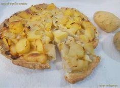 Oggi ho preparato un'altra torta salata :D Ho usato delle verdure che di solito abbiamo tutti in casa: cipolle e patate. .Provatela perché è molto saporita