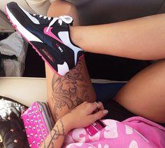 Black, White & Pink Nike! #airmaxes #nike