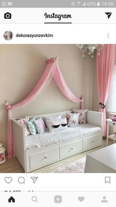 A simple Cinderella Bedroom for your child. A simple Cinderella Bedroom for your child. Preteen Bedroom, Baby Bedroom, Bedroom Decor, Ikea Girls Bedroom, Girls Daybed Room, Cinderella Bedroom, Decoration Buffet, Hemnes, Little Girl Rooms