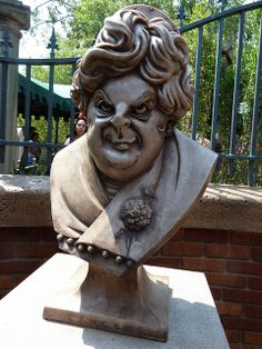"new Haunted Mansion Interactive Queue at Magic Kingdom in Walt Disney World - photo by ""ScareHouse Scott"" - http://www.scarehouse.com"