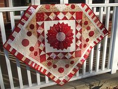 Red Dresden Plate quilt by Ariane at Ariane's Crafts and Quilts