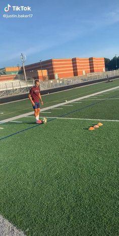 Defensive Soccer Drills, Soccer Footwork Drills, Soccer Practice Drills, Football Training Drills, Football Workouts, Soccer Skills, Football Tricks, Soccer Photography, Soccer Motivation