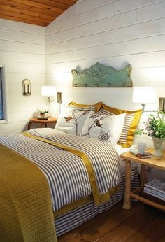 Joli fronton qui ajoute du charme à cette chambre.