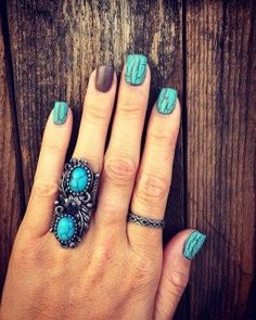 Matte brown and turquoise crackle nails I did. Kinda miss my usual matte black, but loving these! Matte White Nails, Black Nails, Matte Black, Pink Nail, Nail Swag, Rodeo Nails, Turqoise Nails, Cute Nails, Pretty Nails