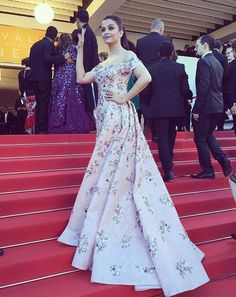 Pin for Later: Bid Adieu to Cannes Style by Taking a Look at These BTS Snaps Aishwarya Rai Matched Her Lipstick to Her Dress Bollywood Celebrities, Bollywood Fashion, Classy Dress, Classy Outfits, Cheap Dresses, Elegant Dresses, Aso Ebi Dresses, Evening Dresses, Prom Dresses