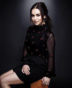 Emilia Clarke                                                                                                                                                      Más
