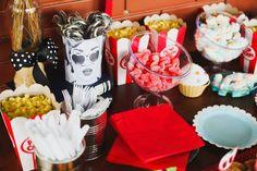 Retrô/ Vintage Bridal Shower. Decorada e organizada por As 4 Marias - www.facebook.com/as4marias