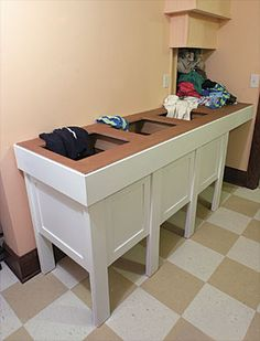 Laundry chute that ends at a sorting table in the laundry room. An organizing Laundry Chute. Laundry Table, Basement Laundry, Laundry Baskets, Basement Kitchen, Laundry Room Organization, Laundry Room Design, Organizing, Home Design, Laundry Shoot