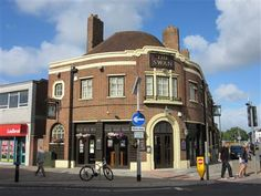 The Swan, Cosham High Street. Portsmouth Pubs, Swan, Art Deco, Lost, Houses, Mansions, Street, House Styles, Image