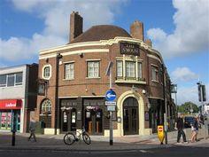 The Swan, Cosham High Street. Closed 2016.