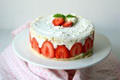 Slagroomtaart met aardbeien