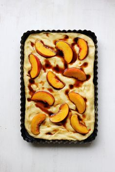 Salty Vanilla & Peach Focaccia Really nice recipes. Every hour. Savoury Biscuits, Savoury Baking, Bread Baking, Sicilian Recipes, Sicilian Food, Just Desserts, Dessert Recipes, Focaccia Recipe, Good Food