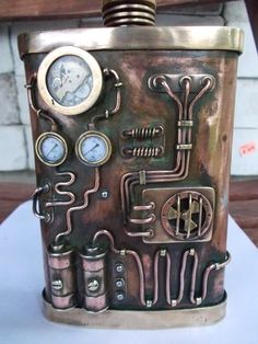 steampunk flask: I obviously need this. Chat Steampunk, Arte Steampunk, Style Steampunk, Steampunk Top Hat, Steampunk Clock, Steampunk Gadgets, Steampunk House, Steampunk Design, Steampunk Fashion