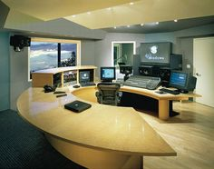 Nice Set-up! 48 Windows Music & Mix Console designed by Fahrenheit Studio. This was one of the very first all digital recording studios. Home Studio Musik, Music Studio Room, Studio Desk, Studio Setup, Home Recording Studio Equipment, Recording Studio Design, Audio Equipment, Smart Home Design, Acoustic Design