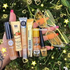 aesthetic makeup natural glossy ~ aesthetic makeup natural + aesthetic m Best Lip Gloss, Diy Lip Gloss, Lip Gloss Set, Best Lip Balm, Maquillaje Natural Tumblr, Gloss Labial, Lip Tips, Glitter Lip Gloss, Lipgloss