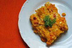 Wie versprochen gibt es heute das Rezept für die Kürbis-Cannelloni. Nachmachen wie immer erlaubt! Zutaten: 1/2 bis 1/4 Hokkaido-Kürbis (je nach Größe) 2 Knoblauchzehen 1 Zwiebel Feta Salz Pfeffer 150-200 ml Gemüsebrühe Cannelloni 200 ml Milch 70g Käse Salz, Pfeffer, Petersilie Zutaten anbraten Zubereitung: Zwiebel und Knoblauch fein hacken. Kürbis waschen, aushöhlen und in kleine Stücke schneiden. Tipp: Wer kein großer Kürbis-Fan ist, kann ein bisschen weniger Kürbis nehmen, dafür aber…