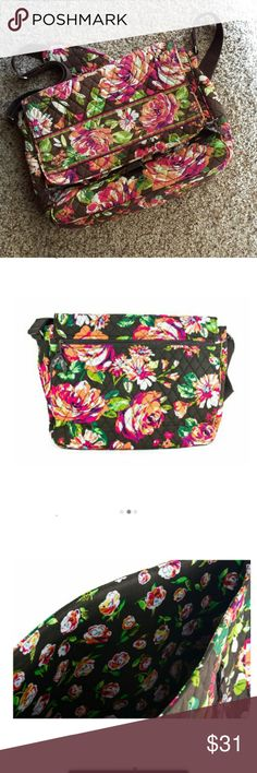 Vera Bradley Messenger Bag Vera Bradley Messenger Bag print English Rose. Only used for a couple months. Super cute and in great condition! Vera Bradley Bags