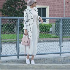 admin@gina.makki #dope#hijab#style#fashion#fashionista #fashionable #fashionaddict #beautiful #beauty#pretty#loveher#muslimah #muslimahfashion #girls#girl#streetstyle #streetwearfashion #streetwear #flawless #fleek#chic#elegant #elegance #modern #modest #trendy#stunning#stylespo